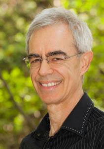 Aromathérapeute, Robert Tisserand